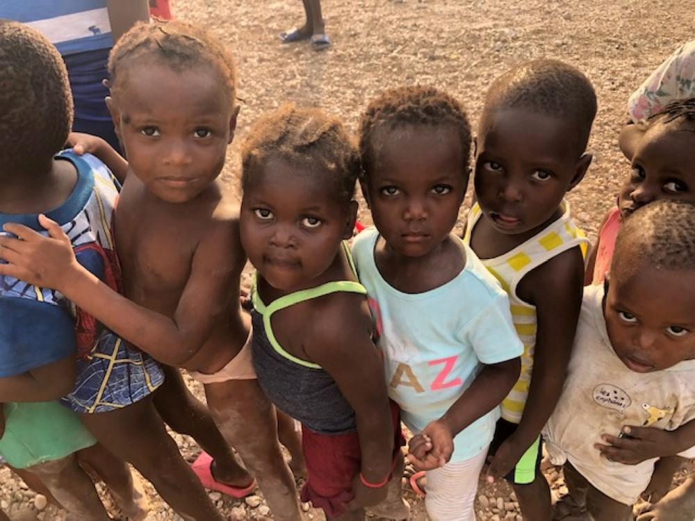 feeding-the-hungry-cbu-haiti (5)