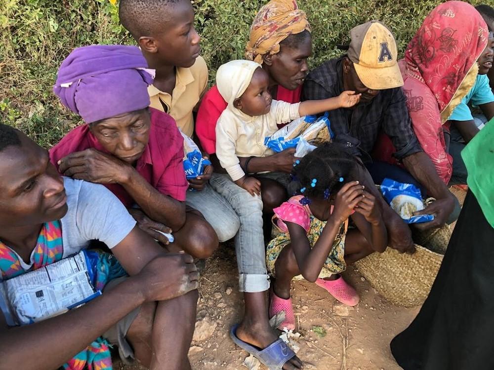 feeding-the-hungry-cbu-haiti (6)