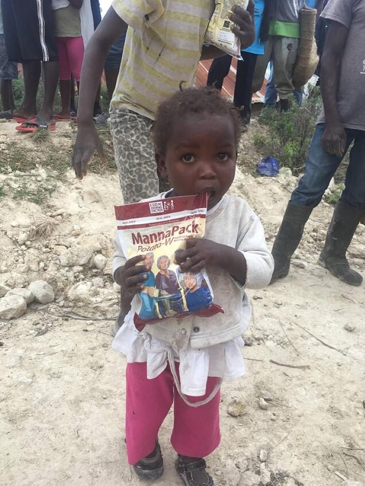 feeding-the-hungry-cbu-haiti (7)